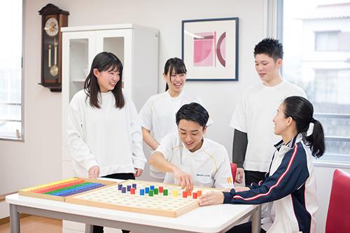 初年度授業料10万円減額