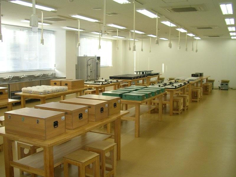 木工・金工・陶芸室